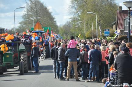 Versierde wagens en fietsen koningsdag 2020 Kollum